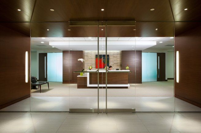 Elegant corporate office interior design corporate for Corporate office decorating ideas