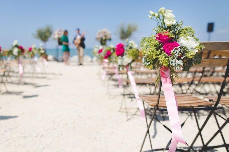 Enam Inspirasi Dekorasi Bunga Untuk Pernikahan di Pantai