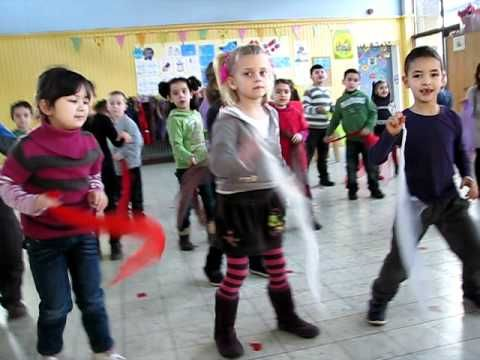 kleuterdans carwash 2011 - YouTube