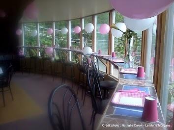 La baie vitrée pour ceux qui veulent manger avec une vue !