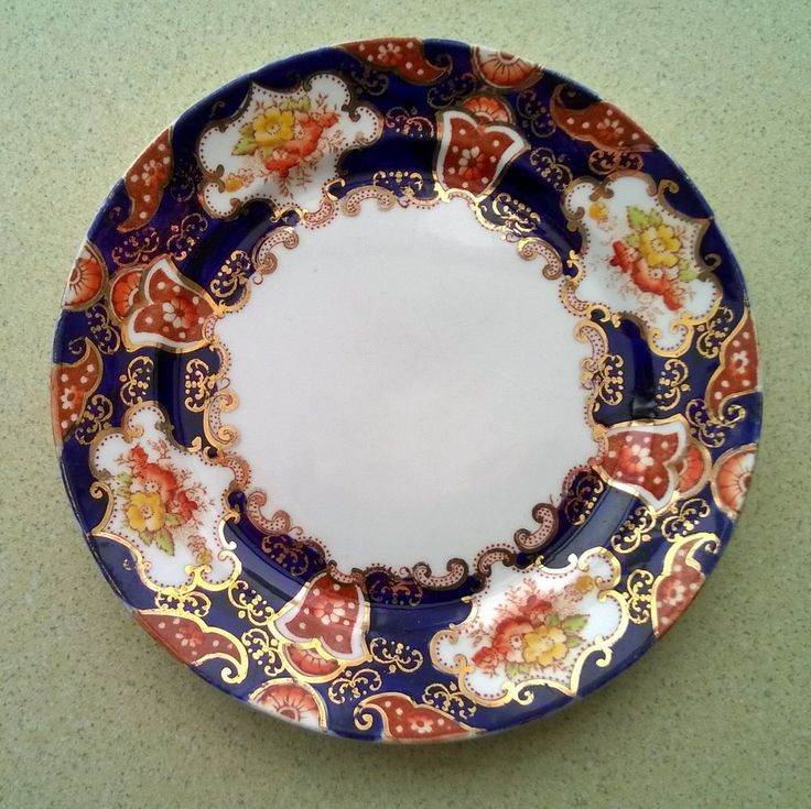 VINTAGE ROYAL ALBERT IMARI CROWN CHINA 7  (approx) PLATE