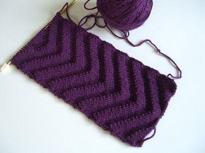 V Infinity Scarf knitting pattern | tinyant