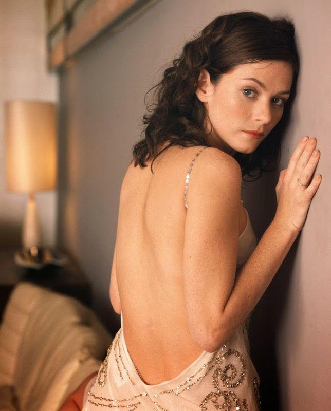 Анна Фрил (Anna Friel) в фотосессии Майка Оуэна (Mike Owen) (2009)