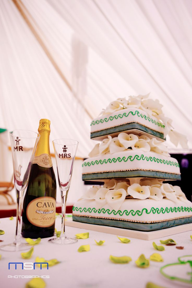 Wedding cake n champagne complete with mr amp mrs glasses wedding