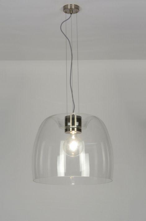 Artikel 88906 Indrukwekkende glazen hanglamp. Het dikke glas hangt aan een constructie van staal en staaldraad en is in hoogte verstelbaar. Geschikt voor: 1x max. 60 watt E27 230V gloeilamp of energie-zuinig (excl.).http://www.rietveldlicht.nl/artikel/hanglamp-88906-modern-glas-helder_glas-staal_-_rvs-rond