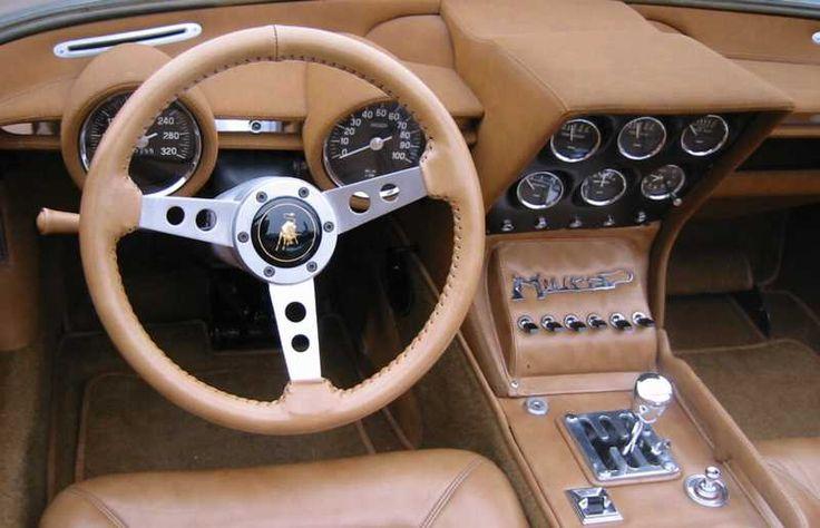 L'une des Miura les plus exclusives est le Roadster Miura P400 présenté au Salon de Bruxelles en 1968. Conçu et construit par Bertone, le Roadster…