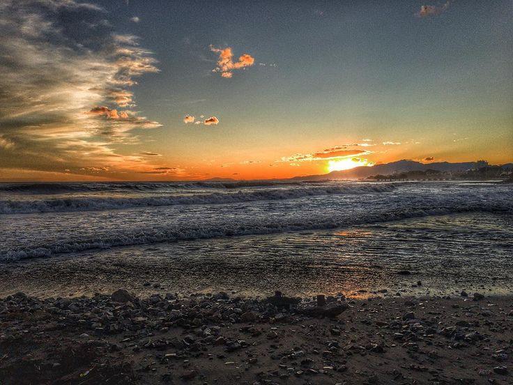 Sea & beach . #sfxcentral #luisjardi #luis_jardi #sounds #sounddesigner #soundeffects #zoom #cubase #logic #logicprox #protools #waves #seawaves #nature #sun #beautiful