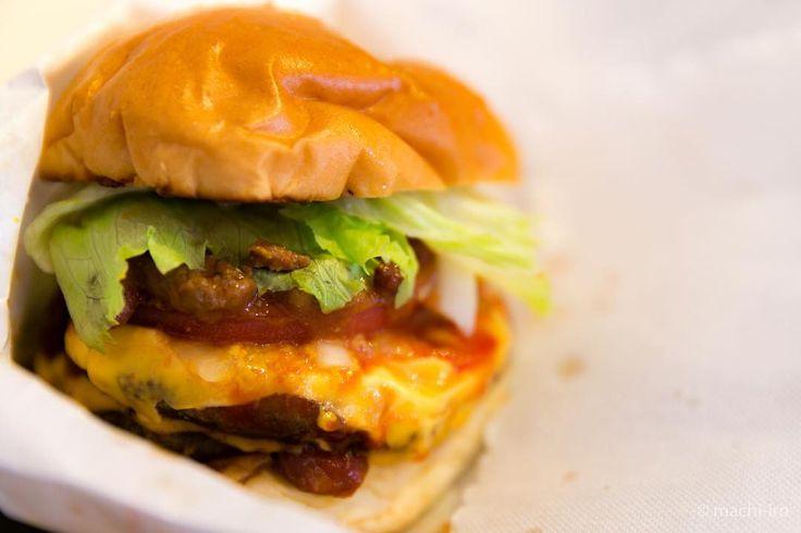 Double X 口コミで人気が高まりだしているKazboさんのハンバーガーです http://ift.tt/2a4d2Zt #machiiro #ハンバーガー #炭火焼 #バンズ #パテ #笠利 #奄美 #マチイロ #kazbo #amami #hamburger