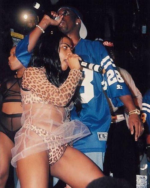 Lil' Kim & Puff Daddy (Live At The Tunnel - 1996)