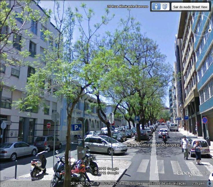 Rua Almirante Barroso - Avista-se a antiga escola António Arroios