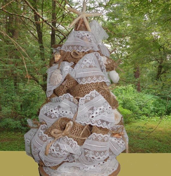 32 best images about one accord christmas on pinterest for Burlap christmas table decorations