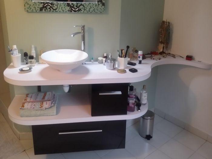 plan de toilette sur mesure fabrication d 39 un ensemble de meuble de salle de bains avec 2 tiroirs. Black Bedroom Furniture Sets. Home Design Ideas