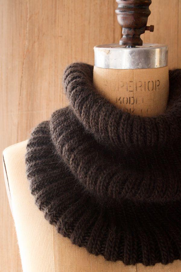 DIY RibbedCowl -FREE Knitting Pattern / Tutorial