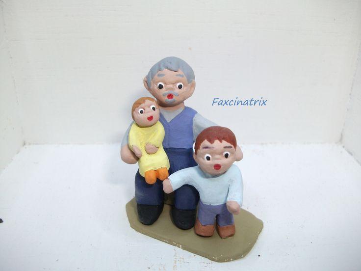 Abuelo con nietos