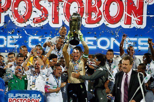 Cali derrotó 3-4 a Nacional en penales y es campeón de la Superliga Jefferson Duque (27') anotó el gol de los 'verdolagas' para igualar la serie 2-2. Sin embargo en los penales se impusieron los 'azucareros' y jugarán la Copa Sudamericana 2014.