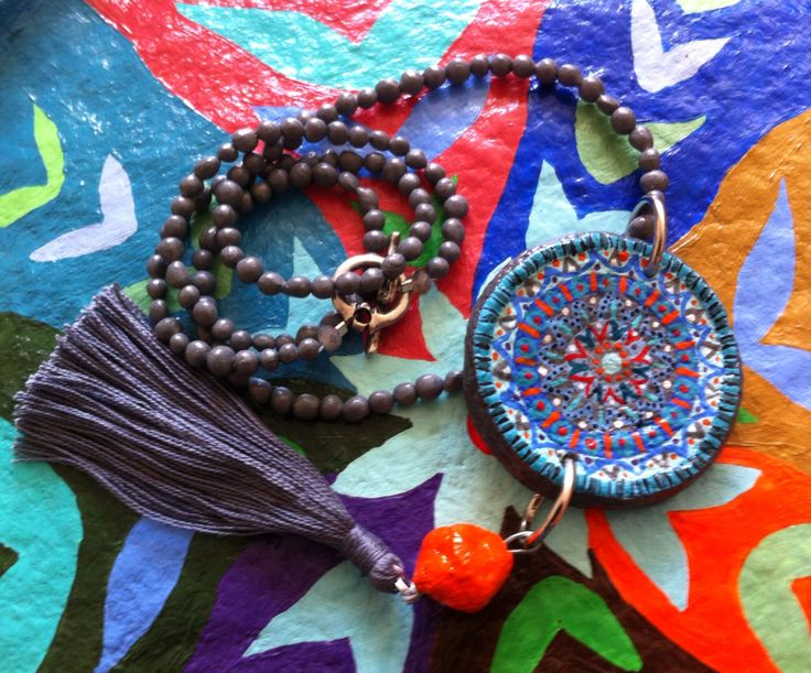 Paper mache beads handmade for sale in other colors 40$! שרשרת מעיסת נייר, מנדלה מעוטרת, וחרוזים שנעשו בעבודת יד! למכירה!