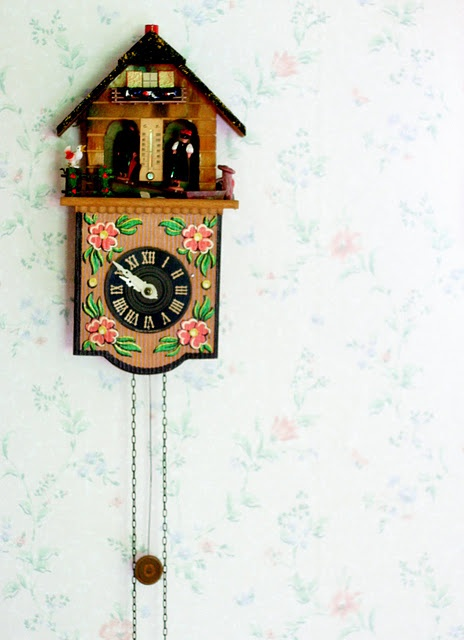1000 images about cuckoo clocks on pinterest kitsch chalets and black forest - Coo coo clock pendulum ...