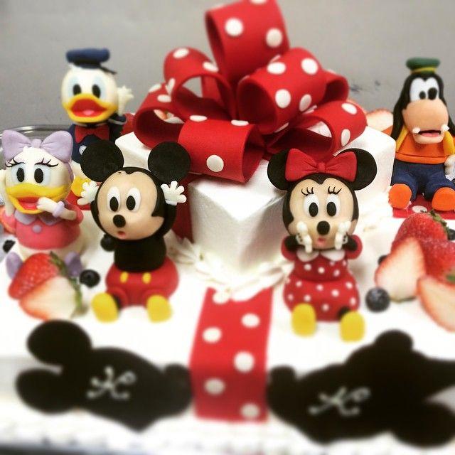 #シェアInstagram 隠れミッキー好きな私 #ウェディングケーキ#ディズニー#マジパン#ミッキーマウス#ケーキ#ミッキー好きとは隠している自分。
