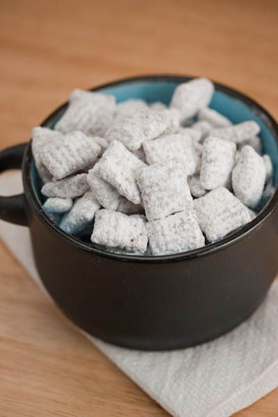 Superbowl Party: Puppy Chow - delish!Muddy Buddies, Puppy Chow, Plastic Bags, Food, Superbowl Parties, Puppy'S, Peanut Butter, Muddy Buddy, Puppies Chow