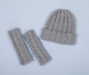 Image Of Loom Knit Cable Hat And Wristers Loom Knitting