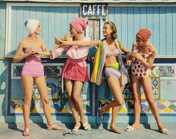 History In Pictures: 1960s Beachwear  (Must be VERY early 1960s)