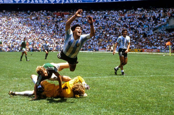 Diego Armando Maradona, en la final contra la República Federal de Alemania en el Mundial México 1986.