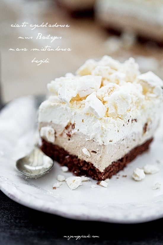 Chocolate Bailey's Meringue Cake OR Kostka Baileys z bezą (use google translate or figure which link provides recipe in English)