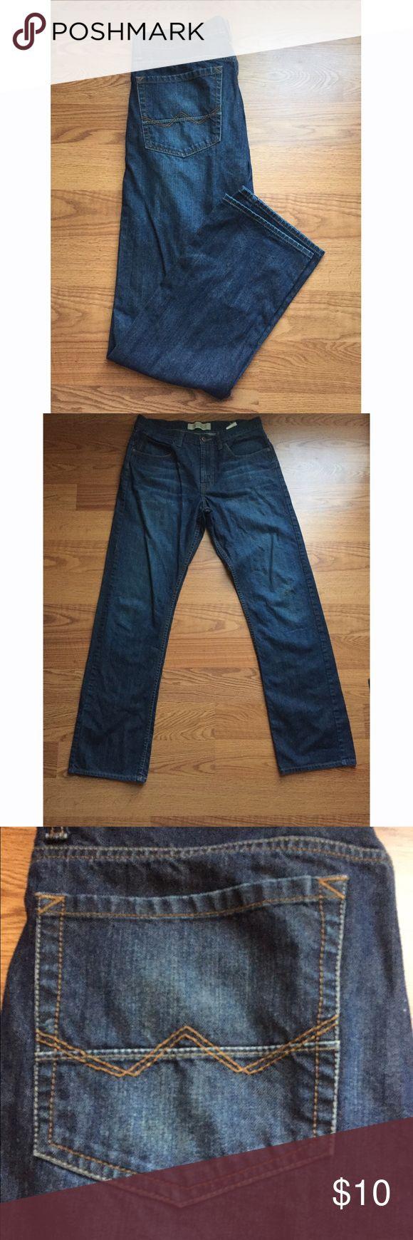 Wrangler Men's slim straight jeans 32X34 slim straight slightly used Wrangler blue jeans! Wrangler Jeans Slim Straight