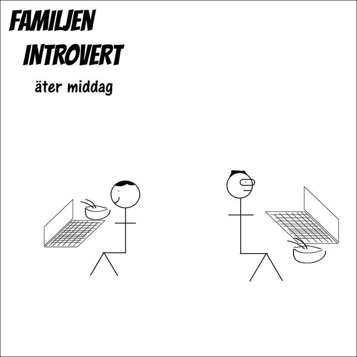Familjen Introvert äter middag.  #familjenintrovert #introvert #serie #solitude #egentid #självsam #högsensitiv #hsp #humor #familj #kärlek #livet #fredag #fredagsmys #friday #comic #mat #middag #hemma #skärmtid #dator #vardag #hejvardag #jobba #jobbajobbajobba