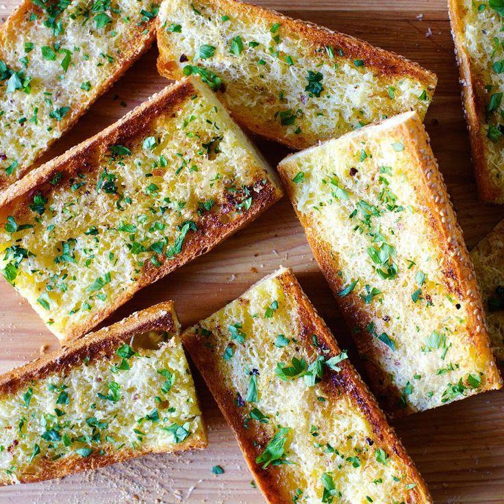 1000+ Ideas About Best Garlic Bread Recipe On Pinterest
