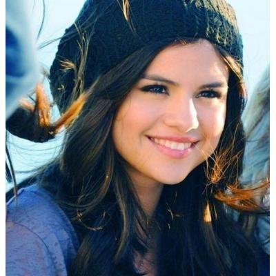 Selena Gomez mom Pregnant 2013