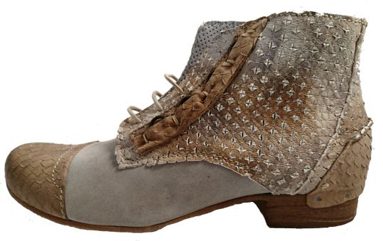 Womens leather boots, ankle cut. Made in Italy