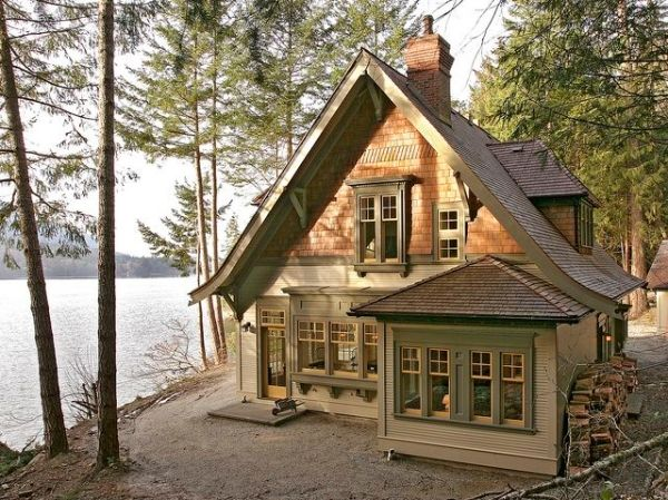 Lake house by AislingH