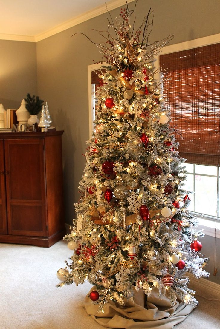 best 25 flocked christmas trees ideas on pinterest white christmas trees snowy christmas. Black Bedroom Furniture Sets. Home Design Ideas