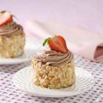 ALMOND MINI ROLL CAKE http://www.sajiansedap.com/mobile/detail/13503/almond-mini-roll-cake