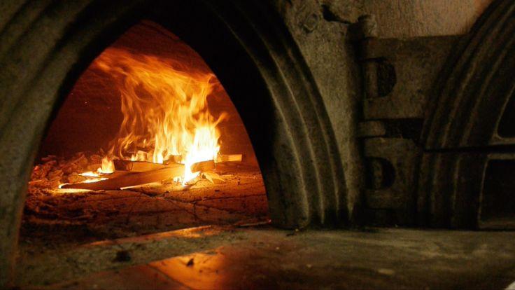 L'antico forno di Praz-du-Mas riscaldato per infornare il #pane preparato a Saint-Rhémy-en-Bosses.