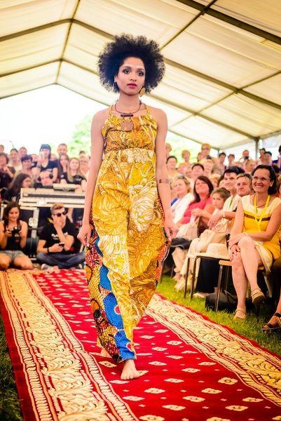 Sukienka wiazana na szyi w maiko na DaWanda.com Designer: Aleksandra Majczyna Photo: Agnieszka Kliczka #Africanfashion