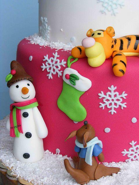 Winnie the Pooh Christmas cake by bubolinkata, via Flickr