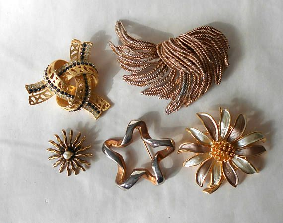 Vintage Brooch Pin DESTASH Gold Silver Tone Rat Tail Knot Star