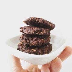 Zelf snel en gezond koekjes bakken is makkelijker dan je denkt! En ook nog eens super lekker! Eerder kon je al het recept van mijn havermoutkoekjesuitproberen; vandaag maakte wij een heuse snicker variant met pindakaas en chocolade. Gebruik je rauwe cacao en ongezoete pindakaas (hier is Jori's favoriet), dan kan je ze gerust ook nog …
