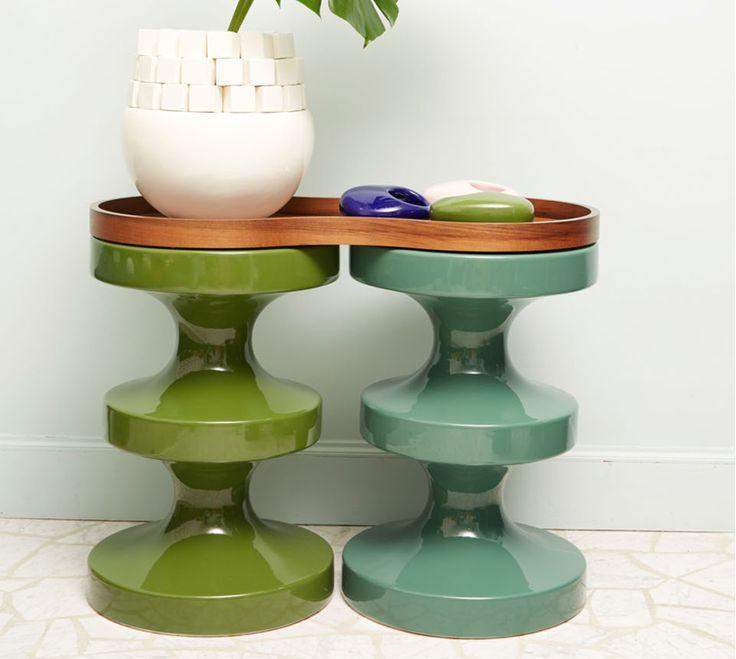 Guéridon en céramique émaillée, disponible en 12 couleurs. h 60cm d 40cm