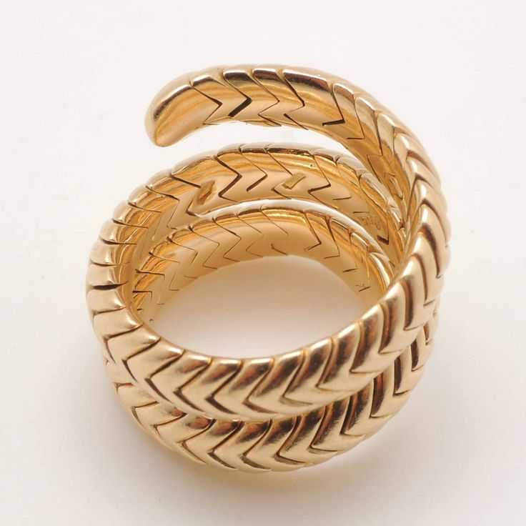 Anillo Bulgari Spiga en oro amarillo 18k / 18k yellow gold Spiga ring from Bulgari