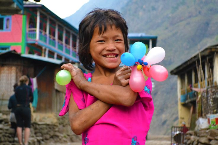 A colourful girl in Besisahar along the Annapurna Circuit