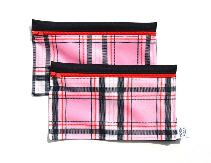 Reusable bags - 2 snack bags - Pink black lines - Sacs à collation réutilisables par CreationsPandaRoux sur Etsy https://www.etsy.com/ca-fr/listing/528746020/reusable-bags-2-snack-bags-pink-black