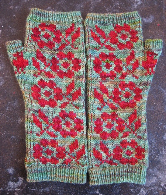 Best 25+ Floral mittens ideas on Pinterest | Fair isle knitting ...