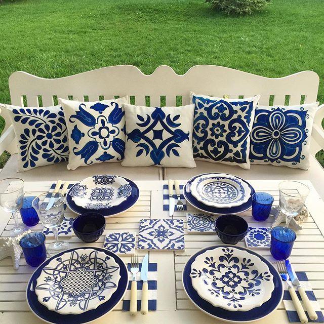 Bu akşam masamın misafiri canım arkadaşım komşum @sehernigiz ... ... Çini tabaklarına artık yastıkları da eşlik ediyor ... Ellerine emeğine sağlık üretken çalışkan güzel kadın ...