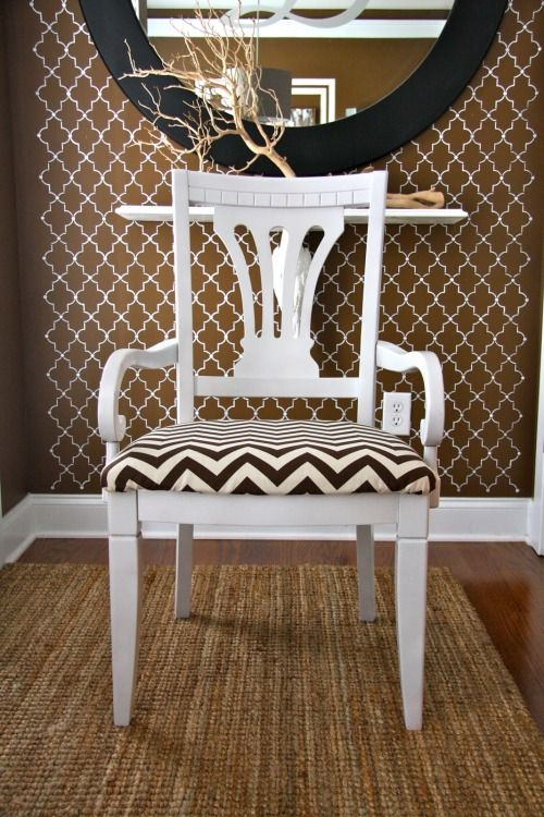 Love this chairDining Room, Chevron Ideas, Games Tables, Games Room, Chevron Pattern, Chevron Chairs, Painting Wood, Room Ideas, Chevron Obsession