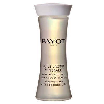 A soothing shower + bath oil for an aromatic relaxing experience. A fine oil instantly becomes a milky lotion upon contact with water, Payot Huile Lactee Minerale draws on re-mineralising + energising properties of minerals + semi-precious gemstones to indulge the body + mind. Enriched with avocado, borage, chamomile + canola oils it soothes the senses + softens skin leaving a lightly scented protective veil to shield against stress whilst relaxing + re-energising the body for maximum…