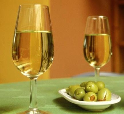Copas de Manzanilla - Aceitunas rellenas de anchoa / spain