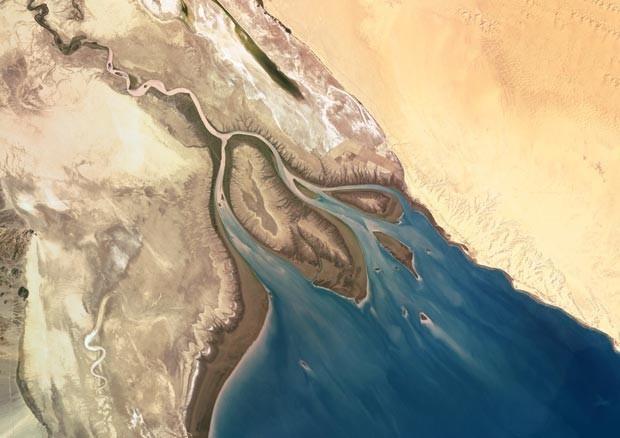 Imagem de satélite do rio Colorado, no México (Foto: SPL/Barcroft Media/BBC)